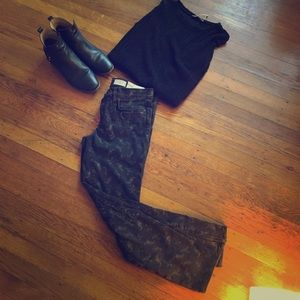 Black jeans with cute details